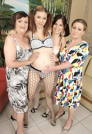 Pregnant Teen Porn Pictures